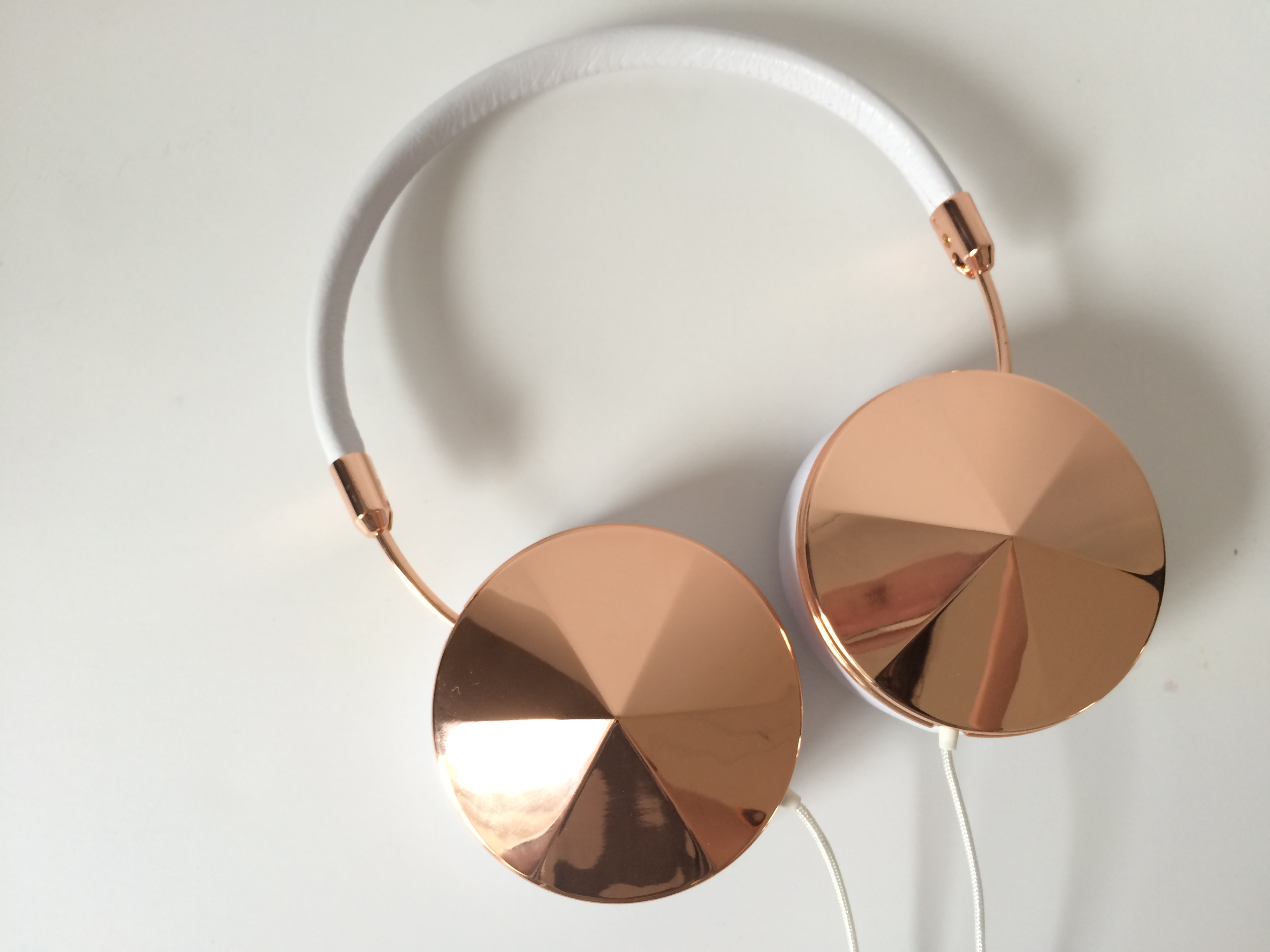 In ear earbuds rose gold - noise cancelling earbuds nose